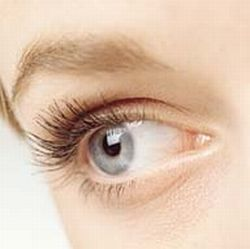 Cosmetic-Surgery-Helps-You-Have-the-Most-Astonishing-Eye-Lashes-2